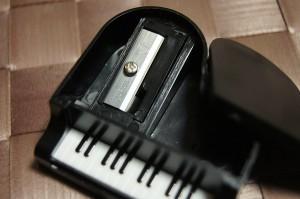 音楽雑貨 ミニピアノ鉛筆削り